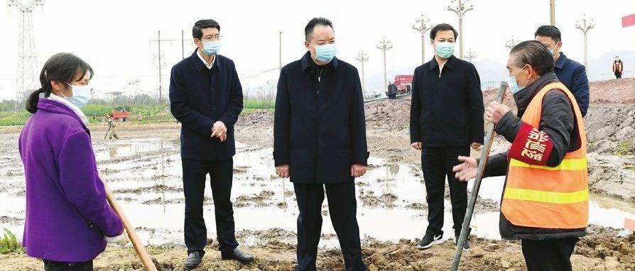 """宋朝华:""""两手抓、两手硬""""努力降低疫情对经济社会发展的影响"""