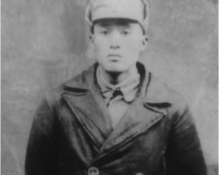 粟裕手下一位纵队司令,阻挡张灵甫一个星期,被敌人狙击手击倒
