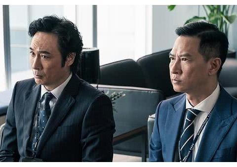 公认的好老公好爸爸吴镇宇张家辉,也曾在KTV与女星举止暧昧?