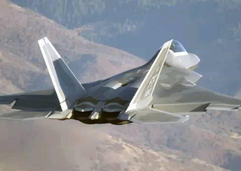 中美俄隐形战机作战半径对比!俄14000公里,美1000公里,中国呢