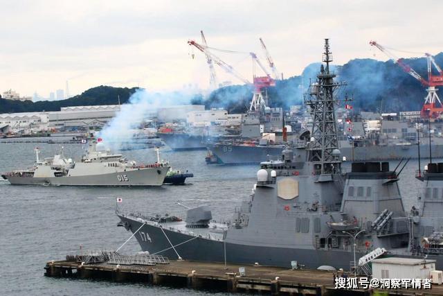 万安滩局势紧张,大批军舰严阵以待,越南接到警告:俄舰来也没用