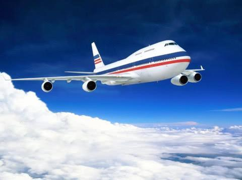 为啥飞机必须飞到1万米高空,飞低一点不行吗?其实飞低了更危险