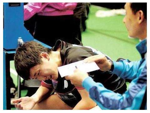 22岁成欧洲乒坛霸主,身材傲人曾在赛中掀短裤,战胜过冯天薇