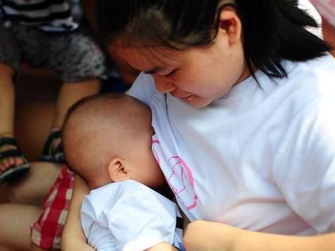 母乳六个月就没有营养了!是真实说法还是谣言?看这里就明白了