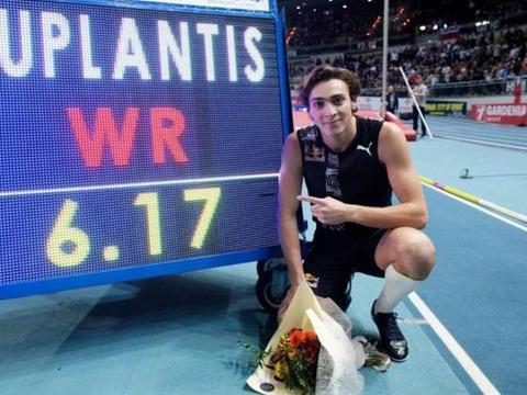 杜普兰蒂斯以6米07再夺冠,之前已两破撑杆跳高世界纪录