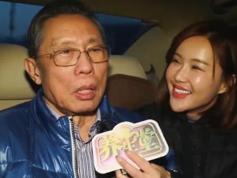 钟南山接受采访,这次记者的言谈举止大受好评,比杨雅淇好太多