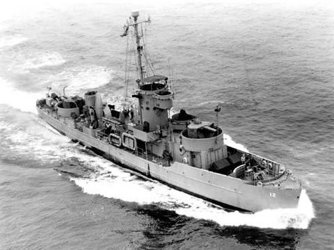 坦克登陆舰:往返于英吉利海峡的搬运工,登陆部队最好的朋友