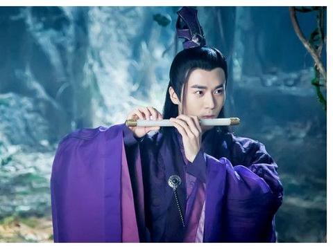 八大男星紫衣,朱一龙一身正气,看到任嘉伦才知道才懂啥叫魅力