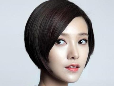 郭采洁短发造型大合集,灵动又减龄,看看有你喜欢的造型吗