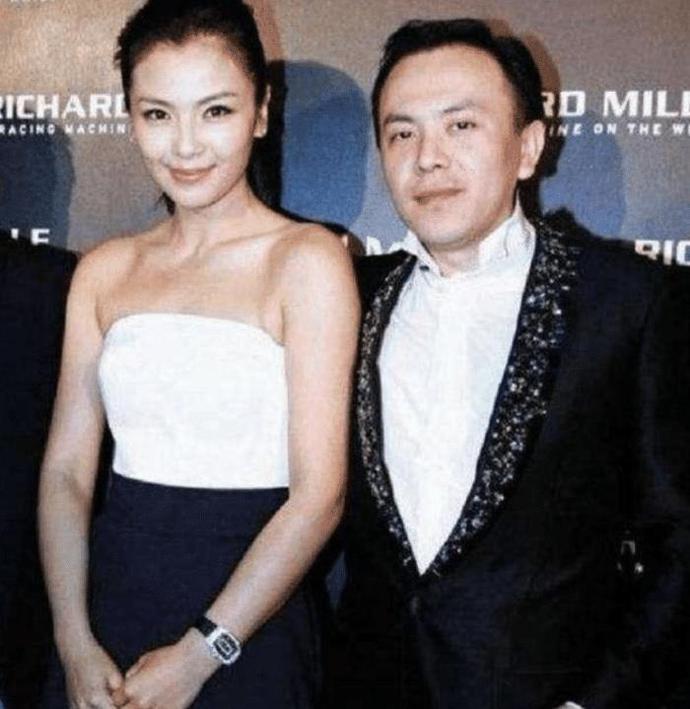刘涛复出5年还四亿,她比刘涛更牛,老公欠债12亿复出一周还清