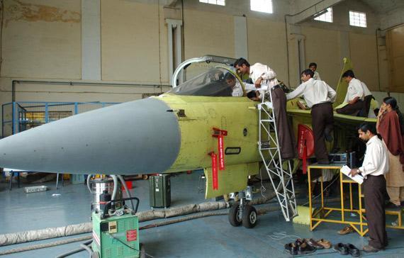 肥水不流外人田!印度空军够狠,3900亿卢比买国产战机