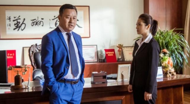 《刘老根3》中的小王秘书真漂亮,长相酷似黄奕,气质优雅很养眼