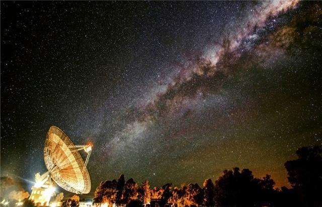 5亿光年外,信号有规律地向地球发出,难道真有外星文明存在?