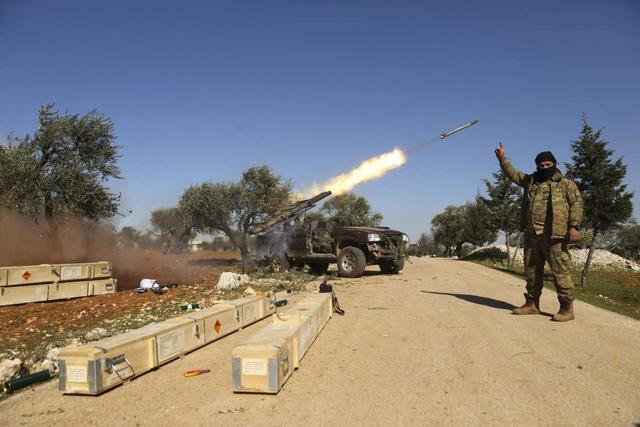 谈崩了!土耳其扬言对叙利亚动武,俄军大批地面部队进入伊德利卜