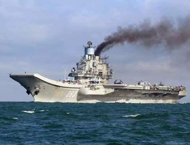 核潜艇编队抵近美西海岸,自由航行不受限制,美国敢怒不敢言