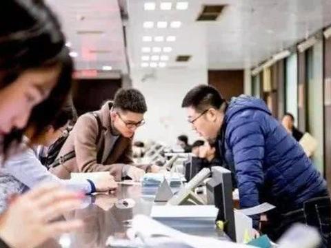 新入职的大学生,要明白这三条职场道理,不会得罪领导和同事