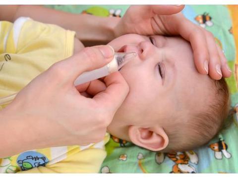 宝宝鼻腔深处有鼻屎,尝试各种方法后,最后这样做成功了
