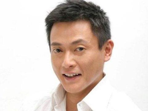 他是演员魏骏杰,曾抛弃八年女友娶小20岁娇妻