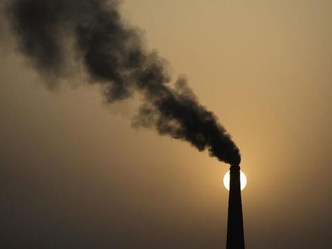 科学家设计将二氧化碳再循环回燃料