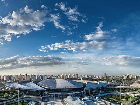 北京规模最大的一座高铁站,是接发车次最多的站点,京沪高铁穿过