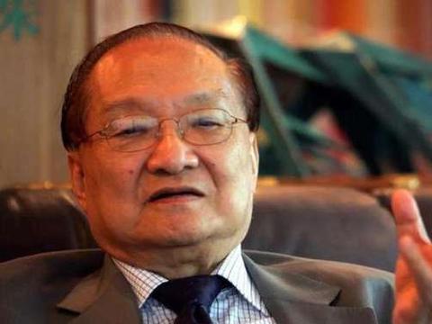 他在中国无人不知,48岁喝酒致死,留下70部价值连城的作品