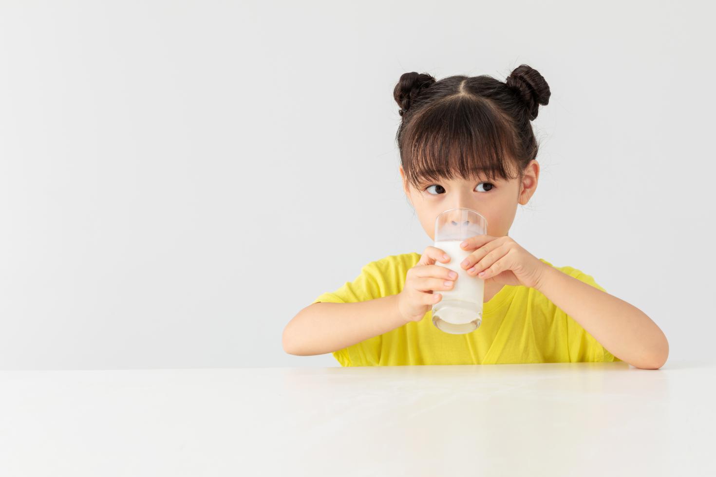 如何提高儿童免疫力?试试吃点牛初乳粉!