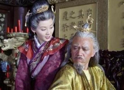 马皇后下葬当天狂风暴雨,朱元璋大怒,高僧说了20个字救了大家