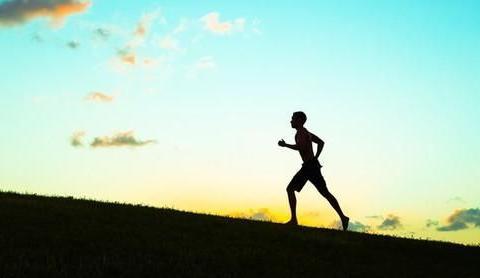 一个人开始走上坡路时,往往会有这三个表现,看看你有吗