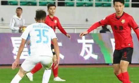 上海申鑫欠薪八个月!球员付不起房租,女友抱怨要这男友有何用?