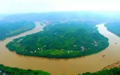 川滇黔交界的赤水河上曾经规划建设十座大坝进行梯级水电开发