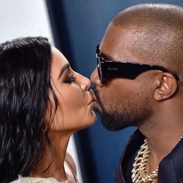 明星 | 侃爷夫妇同赴巴黎,电梯热吻后竟直奔肯德基!