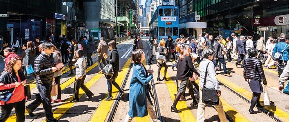 近3万人出走香港,是什么让这里不再宜居?