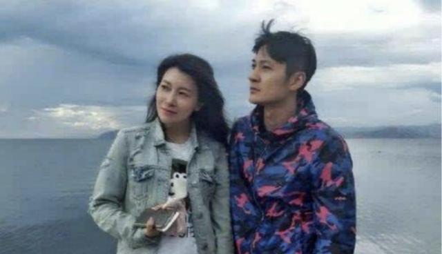 她是海清的同学,黄磊的学生,嫁富商后被甩,复出后又被网友骂