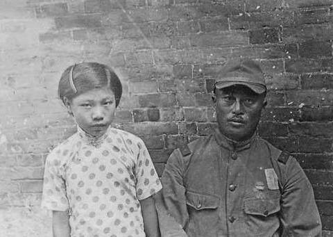 老照片:日本侵华士兵极力掩盖的历史,被其儿子公诸于众