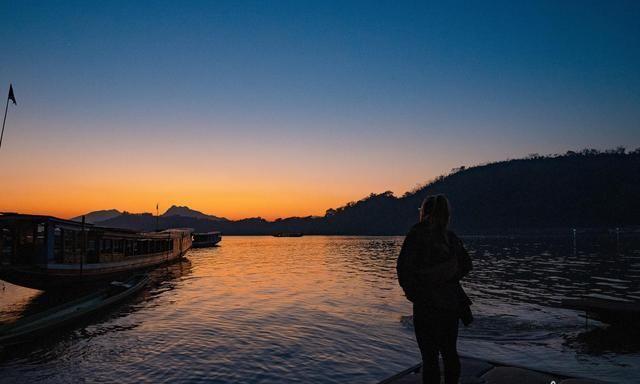 老挝琅勃拉邦的旅游攻略,湄公河畔的50元自助餐
