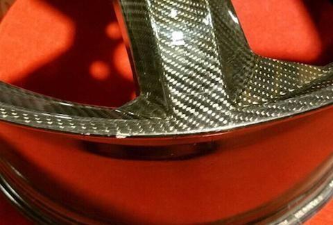 雪佛兰科尔维特C8 Z06碳纤维轮毂可能已在eBay上泄漏