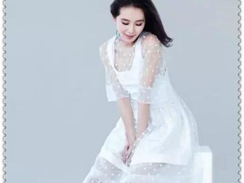 刘诗诗混搭穿出淑女范,花衬衣配绿短裤