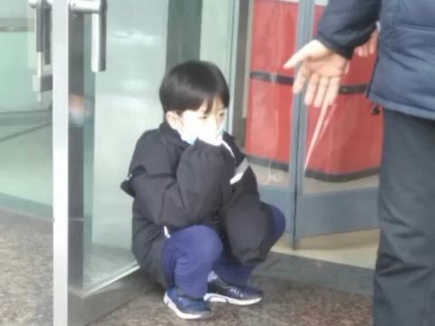 10后小孩撞脸吴磊陈冠希,本以为元宋已经到顶了,是橘见识太少了
