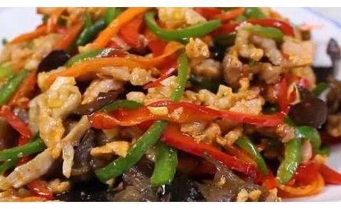 简单家常菜:黄瓜炒木耳,鱼香肉丝,小炒鸡腿肉,柠檬凤爪的做法
