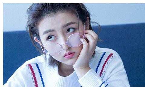 张子枫,当佛系少女有了事业心,从小不让粉丝为她事业操心!