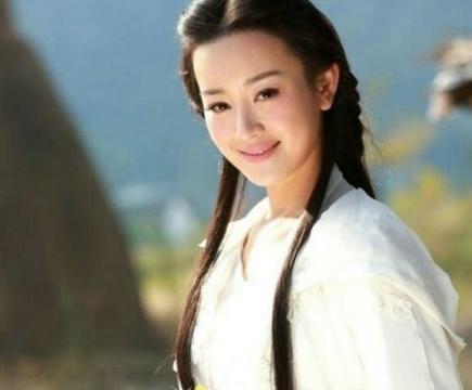 白衣飘飘的8位女星,霍思燕杨蓉钟欣桐张馨予舒畅,谁最美?