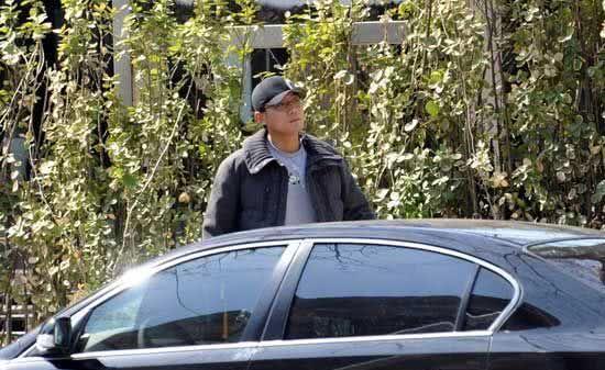 """""""老男孩""""刘烨,空有数辆百万豪车,自己却不能开"""