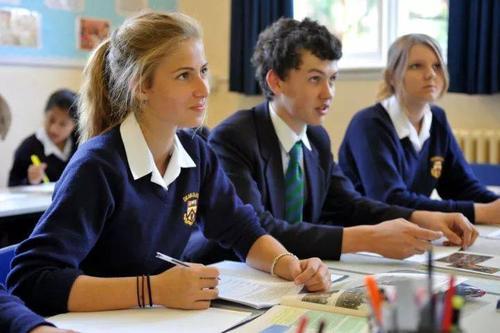 私立学校老师待遇高,为什么离职率远远高于公立学校?答案在这里