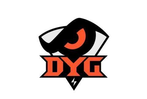 巅峰王者会:DYG每小局都暂停,选手顶着网络压力打比赛真不容易