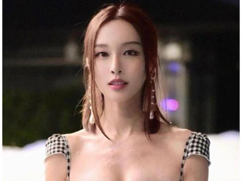 李云迪爱徒李元玲才貌双全, 比基尼照太撩人, 小姐姐缺学童吗?