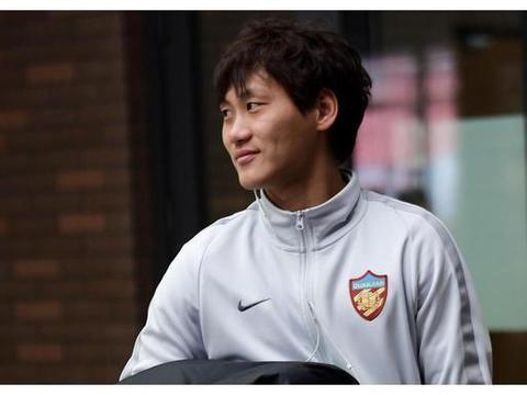 回顾中国球员留洋史:三人曾战欧冠,武磊和孙继海成为榜样