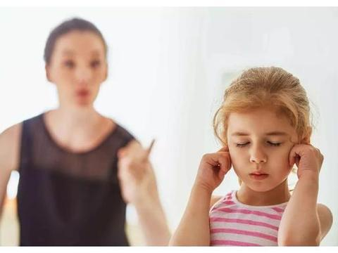 """为何孩子对你""""装聋作哑""""?孩子听不听话,取决家长会不会说话"""