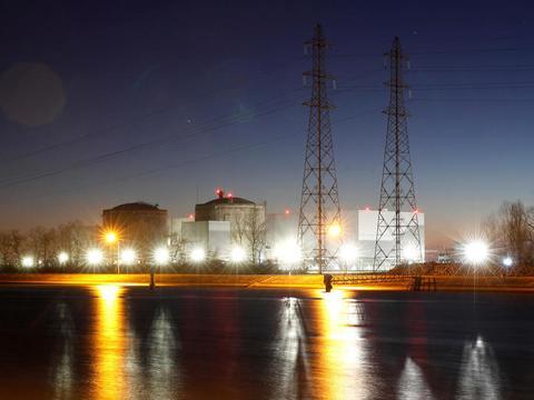 法国最老核反应堆被关闭 拆核电站第一步