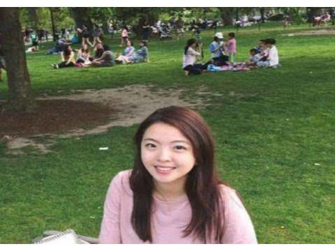 有媒体爆料,柯震东追求王中磊的女儿王文也,这是要卷土重来吗?