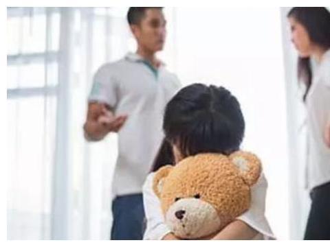 """""""妈妈你为什么要工作,爸爸不去"""",戚薇回答,堪称教科书般满分"""